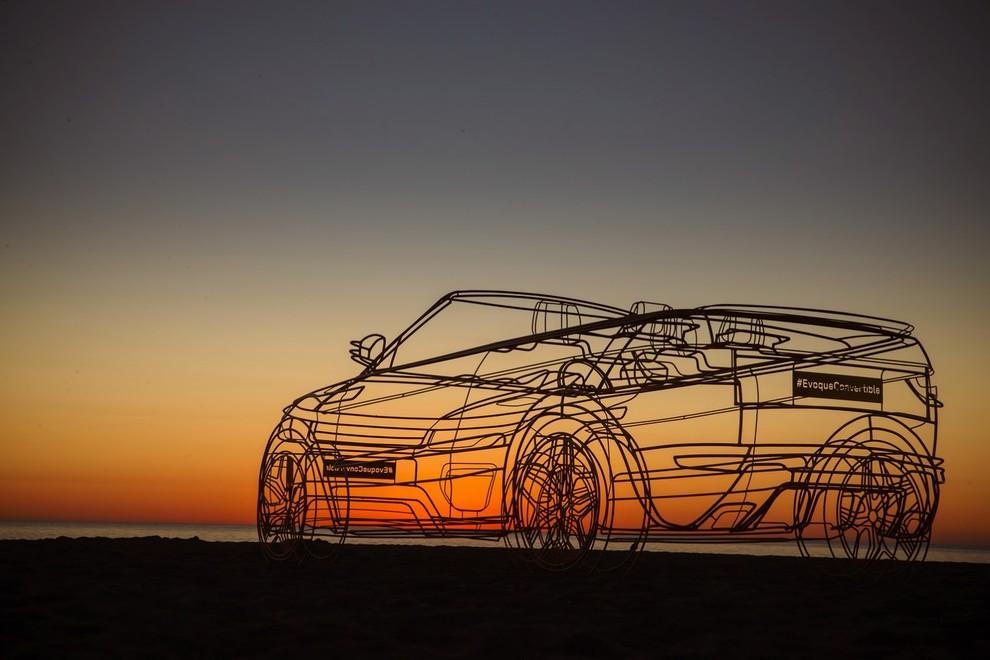 La sexy bond Girl presenta la nuova Range Rover Evoque Cabrio - Foto 35 di 39