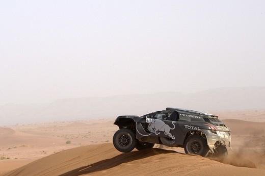 Peugeot, un mese e mezzo alla Dakar 2016