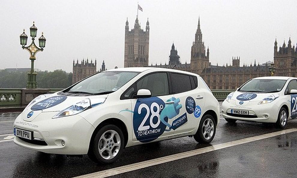 Il Comune di Milano propone 500 licenze per taxi elettrici - Foto 5 di 6