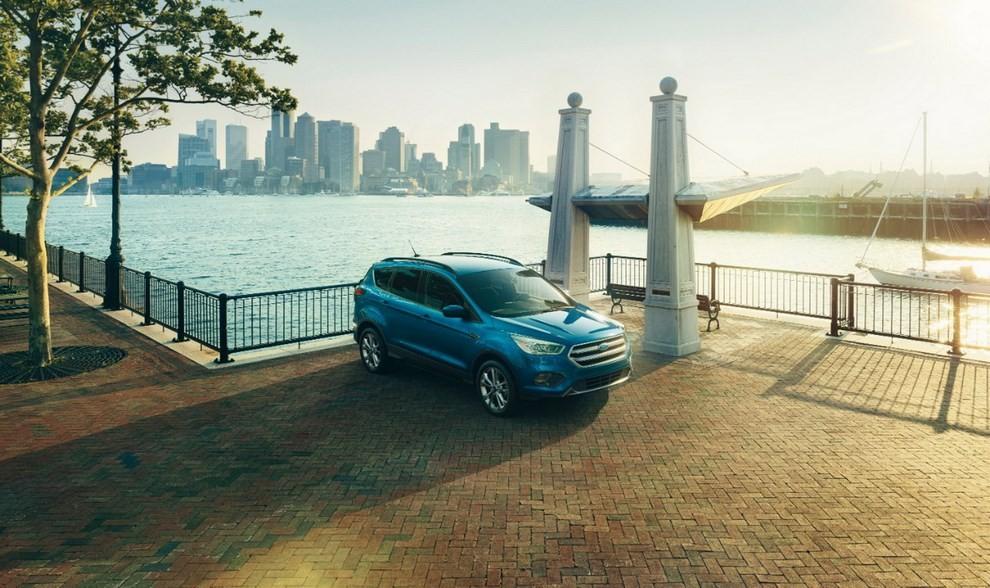 Ford Kuga 2016 si rinnova in stile americano - Foto 9 di 11