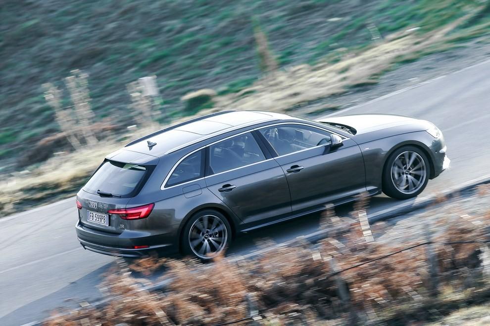 Audi A4 e A4 Avant 2016 prova su strada, prezzi e dotazioni di serie - Foto 19 di 58