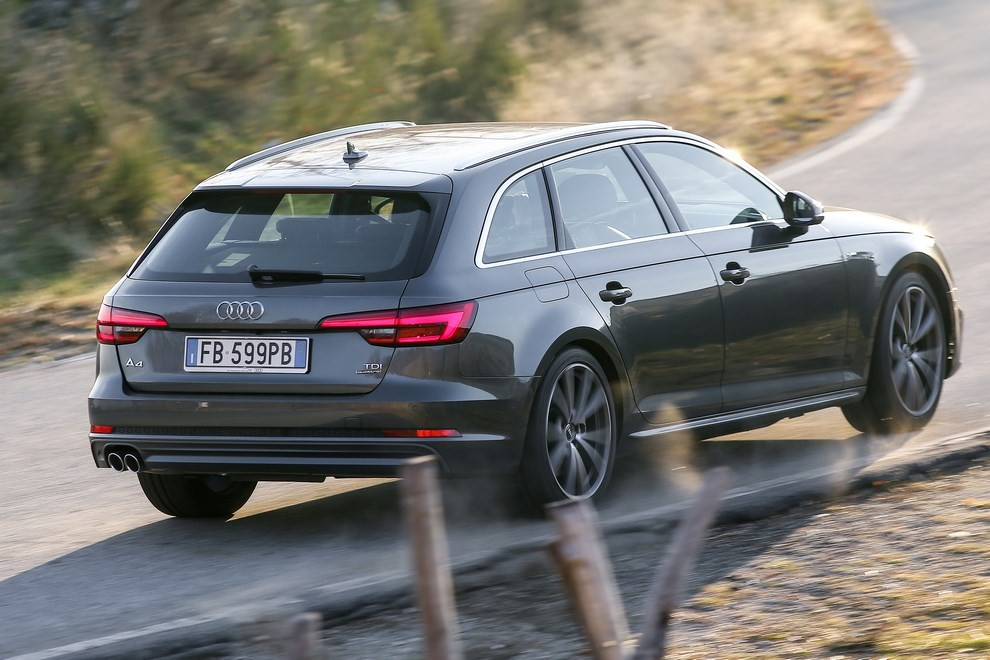 Audi A4 e A4 Avant 2016 prova su strada, prezzi e dotazioni di serie - Foto 21 di 58