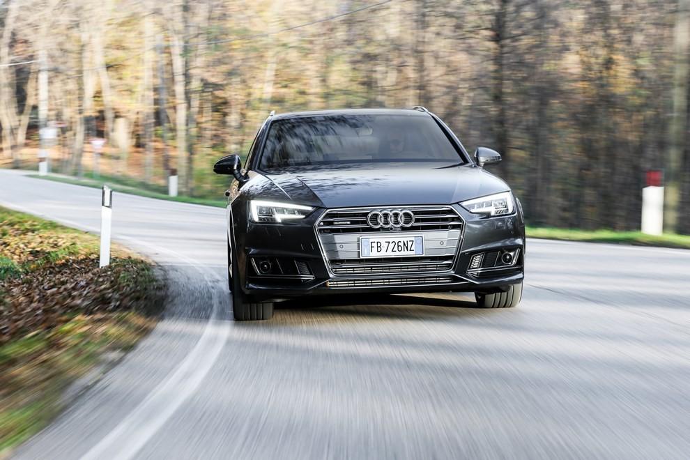 Audi A4 e A4 Avant 2016 prova su strada, prezzi e dotazioni di serie - Foto 23 di 58