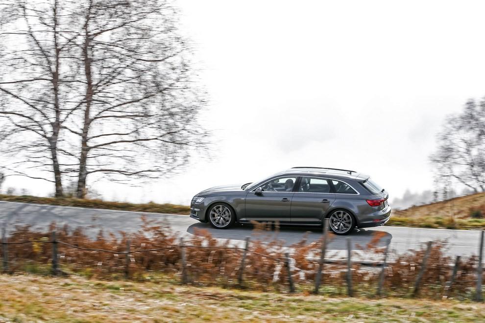 Audi A4 e A4 Avant 2016 prova su strada, prezzi e dotazioni di serie - Foto 26 di 58