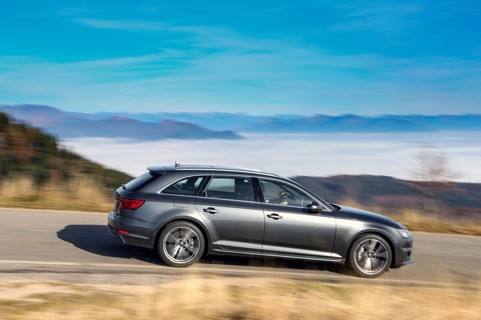 Audi A4 e A4 Avant 2016 prova su strada, prezzi e dotazioni di serie - Foto 31 di 58