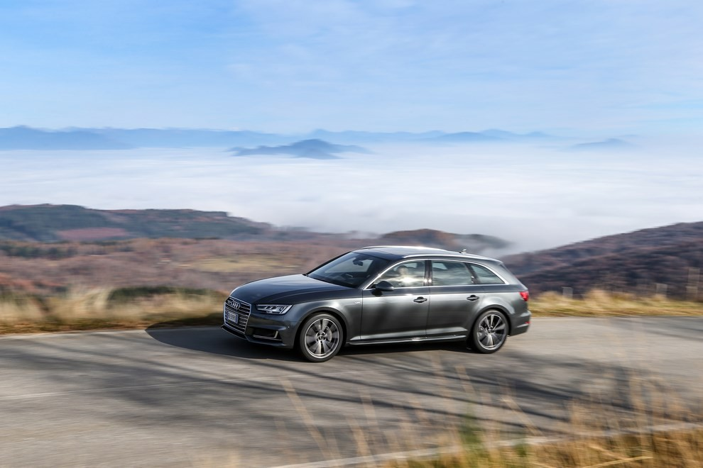 Audi A4 e A4 Avant 2016 prova su strada, prezzi e dotazioni di serie - Foto 32 di 58