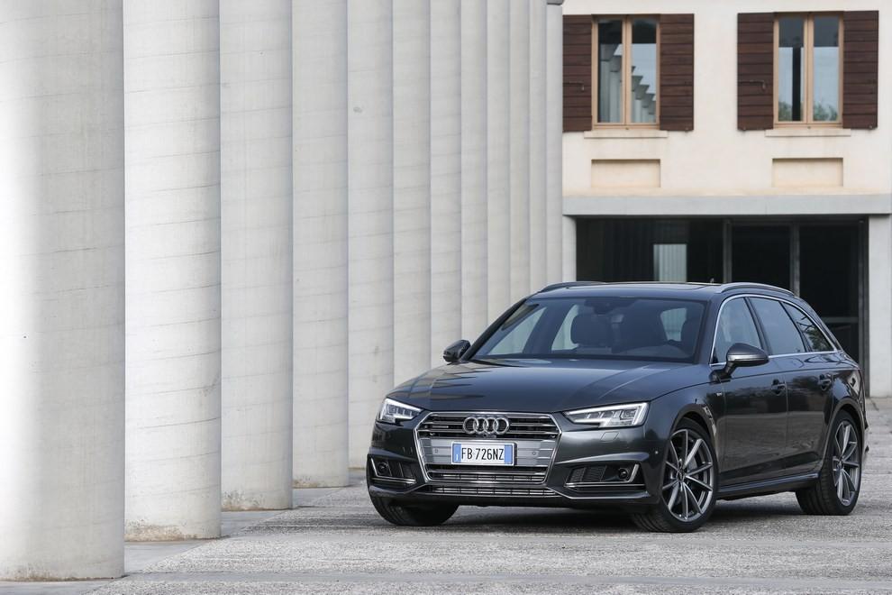 Audi A4 e A4 Avant 2016 prova su strada, prezzi e dotazioni di serie - Foto 8 di 58