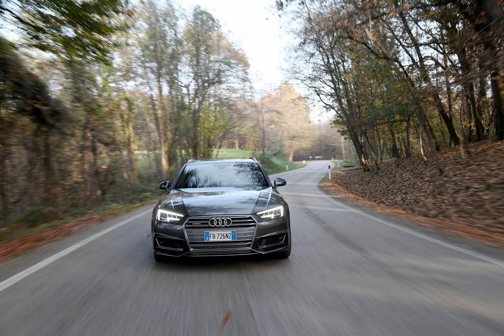 Audi A4 e A4 Avant 2016 prova su strada, prezzi e dotazioni di serie - Foto 43 di 58