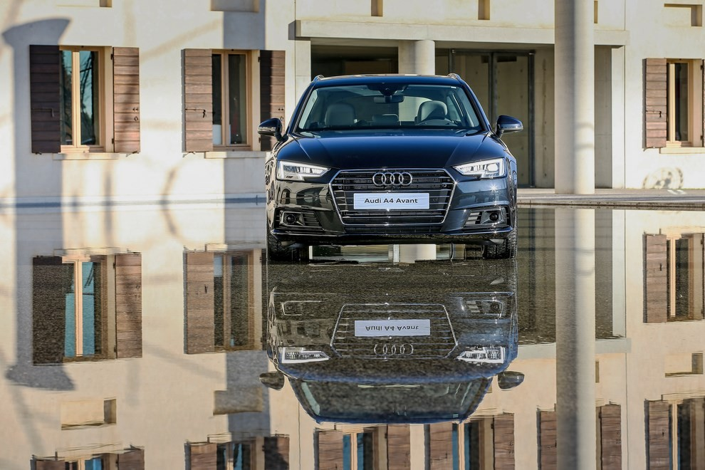Audi A4 e A4 Avant 2016 prova su strada, prezzi e dotazioni di serie - Foto 48 di 58
