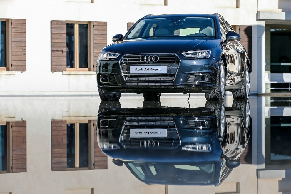 Audi A4 e A4 Avant 2016 prova su strada, prezzi e dotazioni di serie - Foto 53 di 58