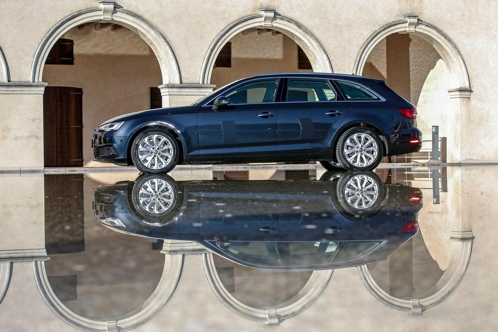 Audi A4 e A4 Avant 2016 prova su strada, prezzi e dotazioni di serie - Foto 54 di 58