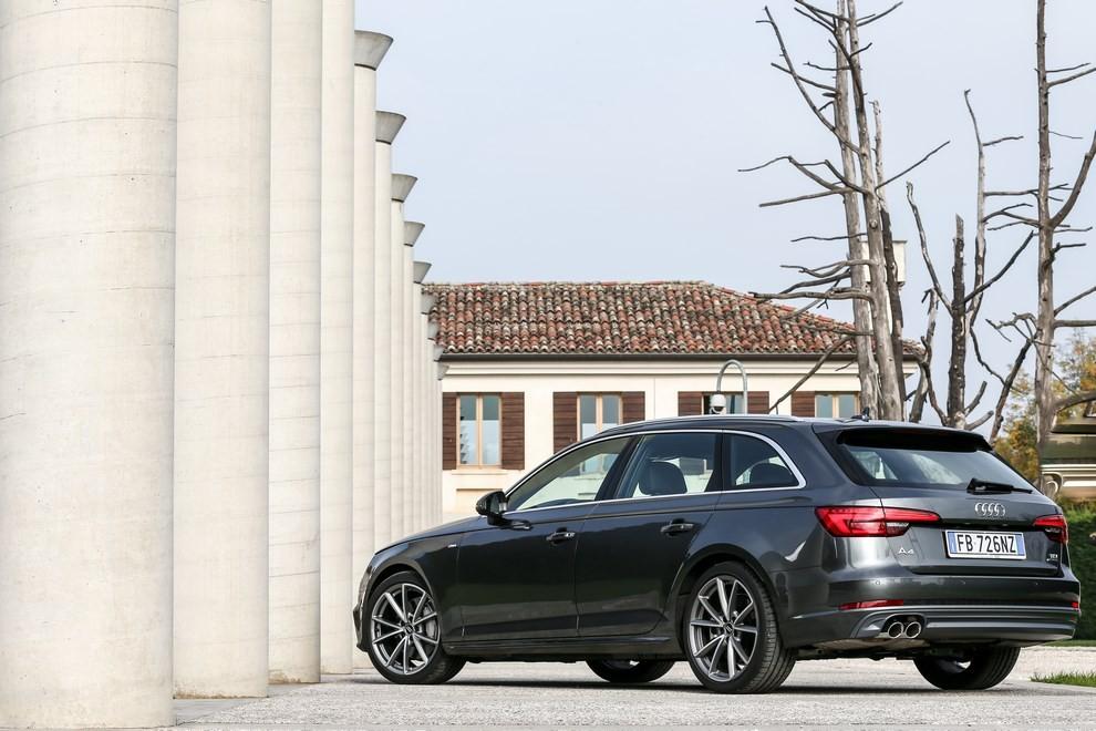 Audi A4 e A4 Avant 2016 prova su strada, prezzi e dotazioni di serie - Foto 10 di 58