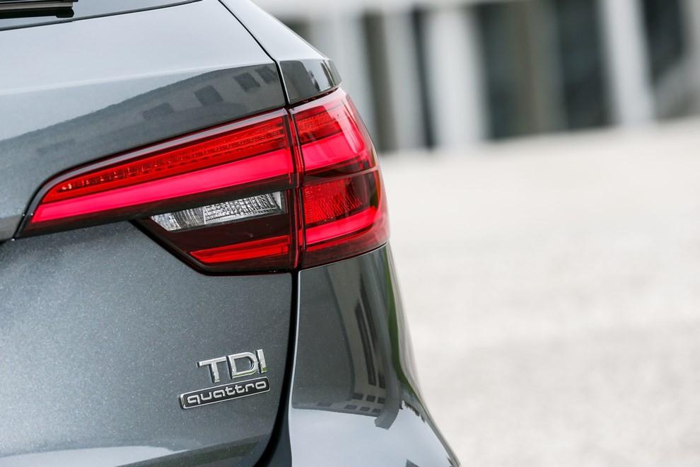 Audi A4 e A4 Avant 2016 prova su strada, prezzi e dotazioni di serie - Foto 57 di 58