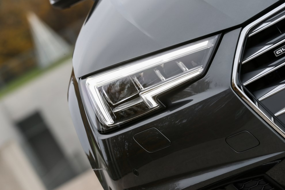 Audi A4 e A4 Avant 2016 prova su strada, prezzi e dotazioni di serie - Foto 6 di 58