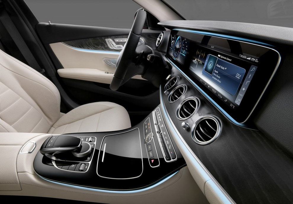 Nuova Mercedes Classe E, gli interni - Foto 7 di 18