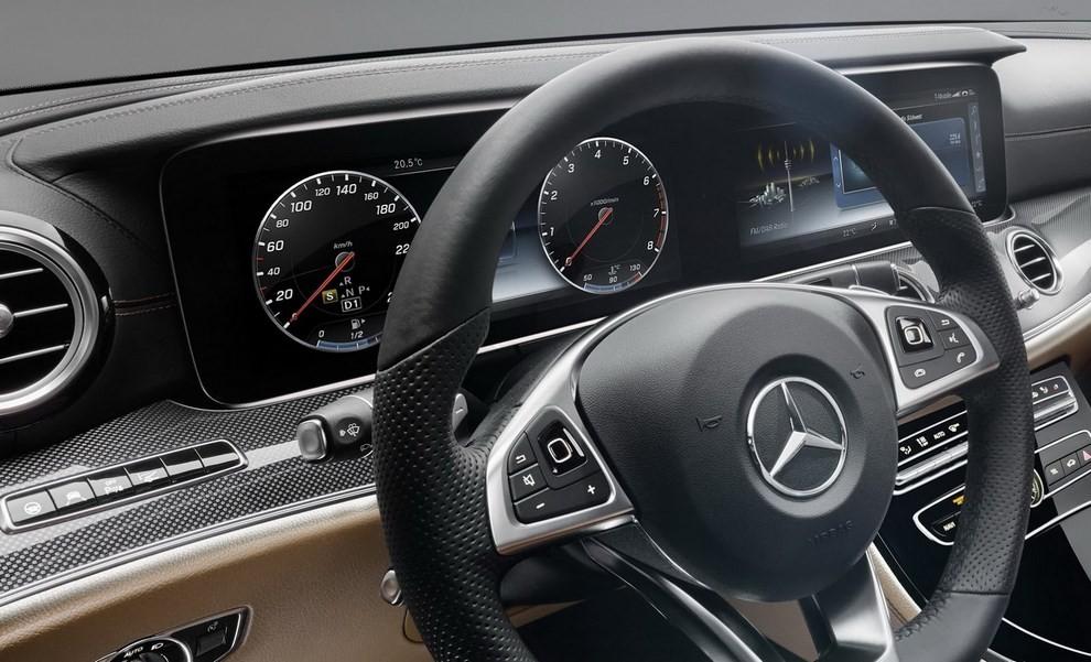 Nuova Mercedes Classe E, gli interni - Foto 18 di 18