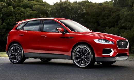 Jaguar E-Pace, benzina e gasolio ma non solo