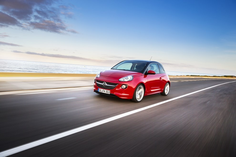 Opel Adam con IntelliLink R4.0 e l'innovativo Opel On-Star - Foto 2 di 14