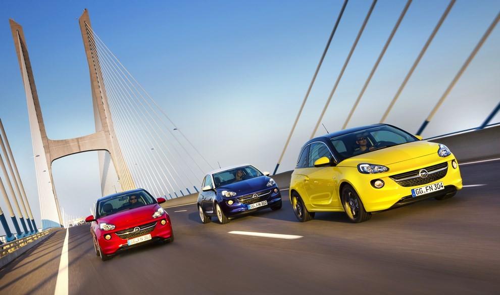 Opel Adam con IntelliLink R4.0 e l'innovativo Opel On-Star - Foto 7 di 14