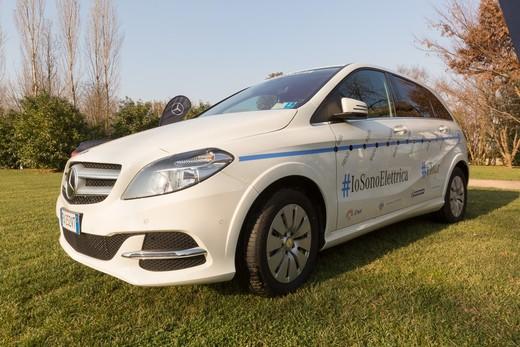 Mercedes Classe B 100% elettrica gira l'Italia