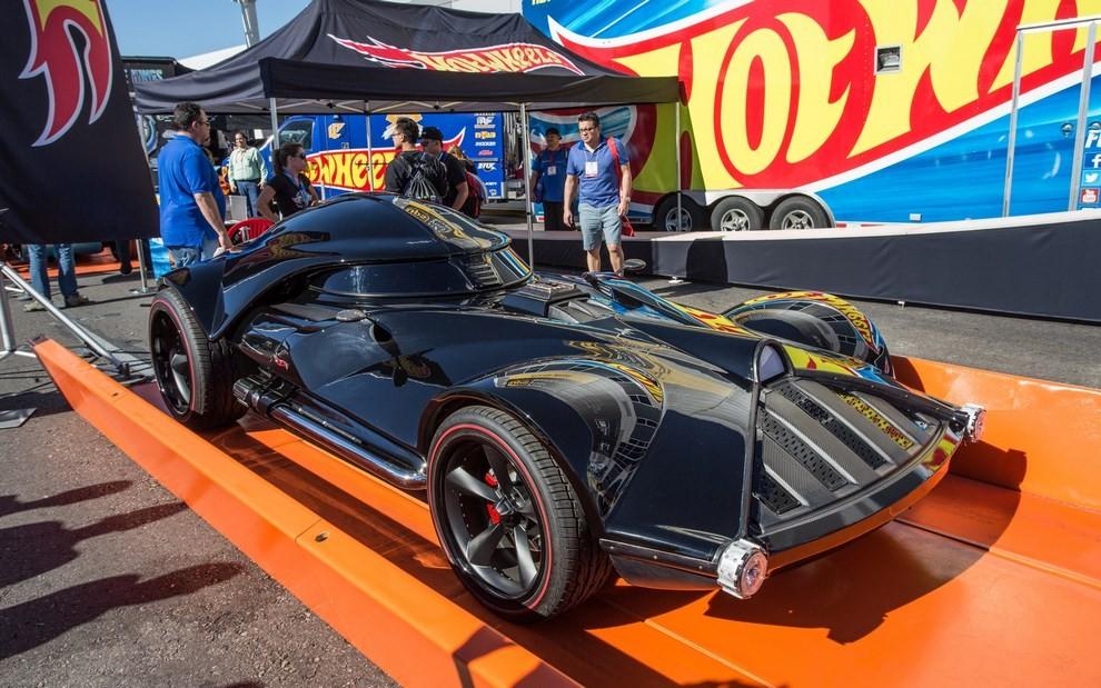 """""""Darth Car"""": l'auto ispirata a Darth Vader di Star Wars - Foto 1 di 7"""