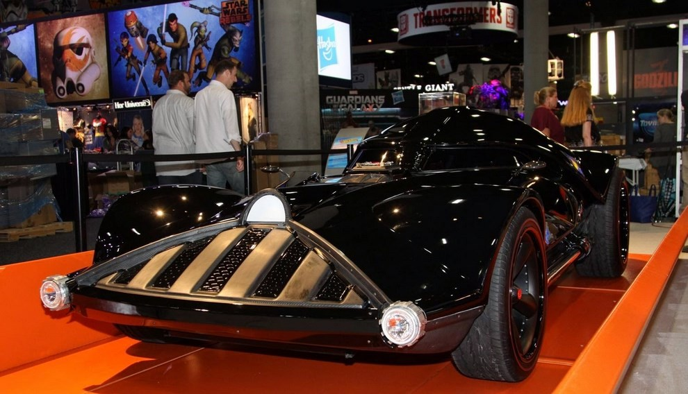 """""""Darth Car"""": l'auto ispirata a Darth Vader di Star Wars - Foto 4 di 7"""