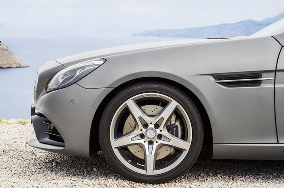 Nuova Mercedes SLC 2016 - Foto 15 di 19