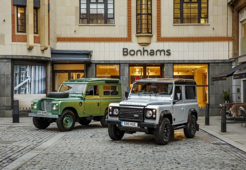 Land Rover Defender, asta record per il numero 2.000.000 - Foto 4 di 9
