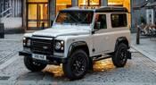Land Rover Defender, asta record per il numero 2.000.000