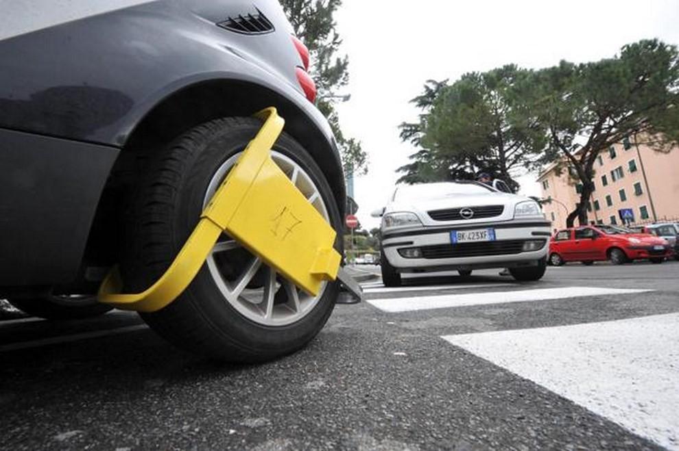 Fermo amministrativo sulle auto aziendali: come agire in caso di sanzioni - Foto 1 di 6