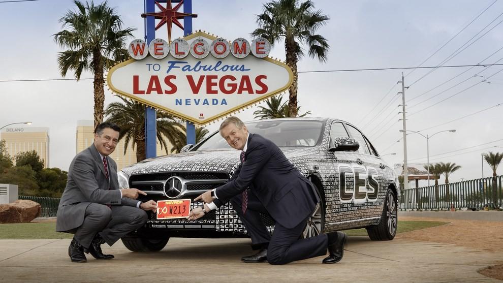 Mercedes Classe E: nel Nevada si guida da sola - Foto 2 di 9